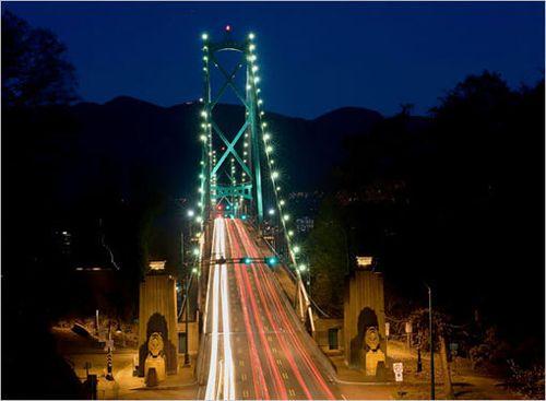 Lions-gate_bridge_vancouver_canada