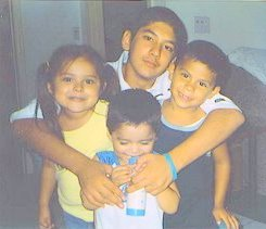 Picture_of_anthony_soltero_with_family
